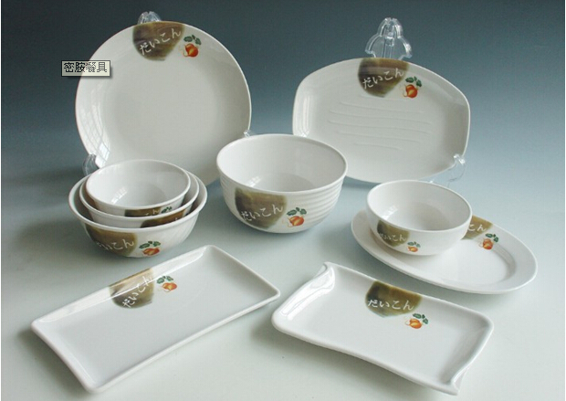 The price difference of melamine tableware is 5 times. It is best to choose white and internal patternless products.
